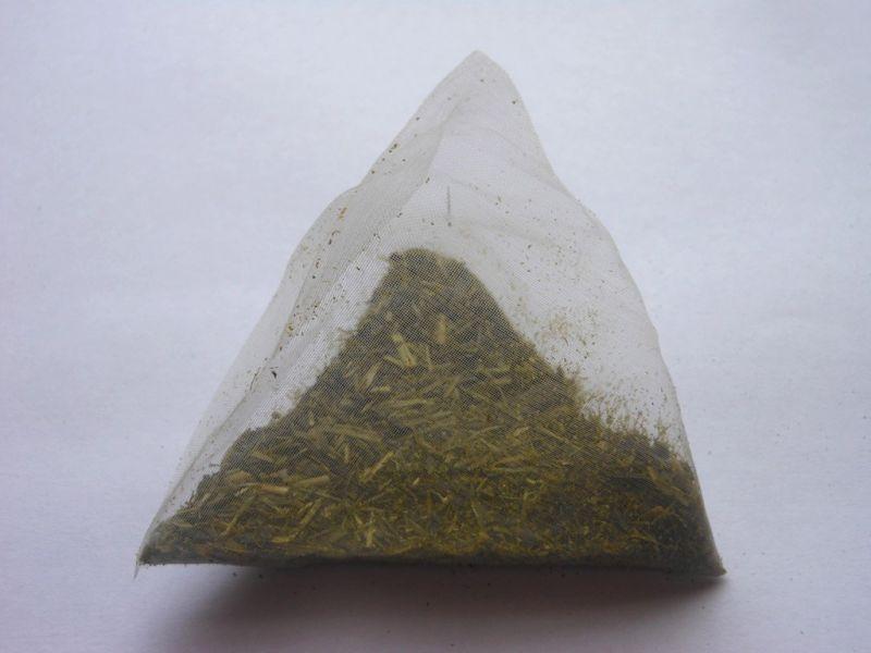 画像2: 静岡 森町の緑茶ティーバッグ 家康くん直虎ちゃんパッケージ